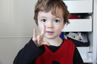 Hand sign Love - Cucu's PlayHouse.JPG