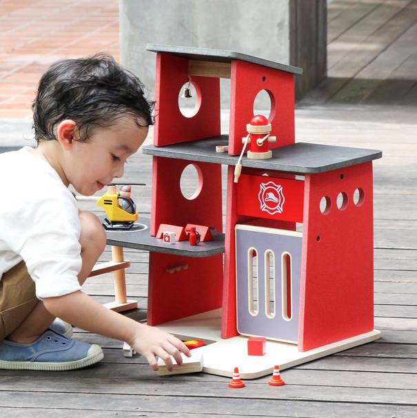 6272-plan-toys-pretend-planworld-fire-st