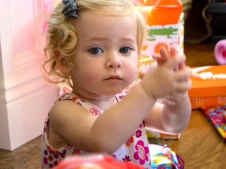 Hand sign Help - Happy Baby Signs.jpg