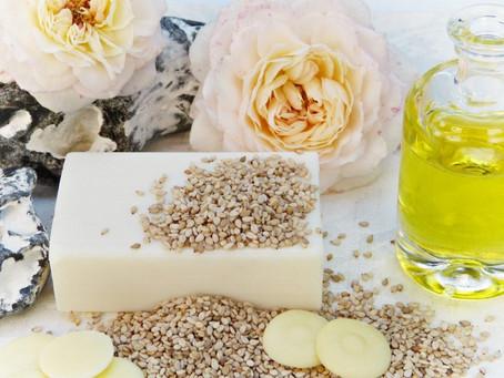 Masáž sezamovým olejem posílí nervy a vyčistí pleť