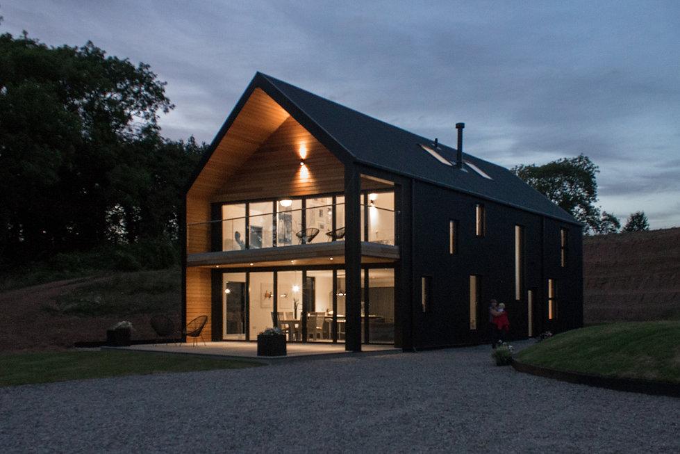 Barn-House-Exterior-Twilight©Stolon.jpg