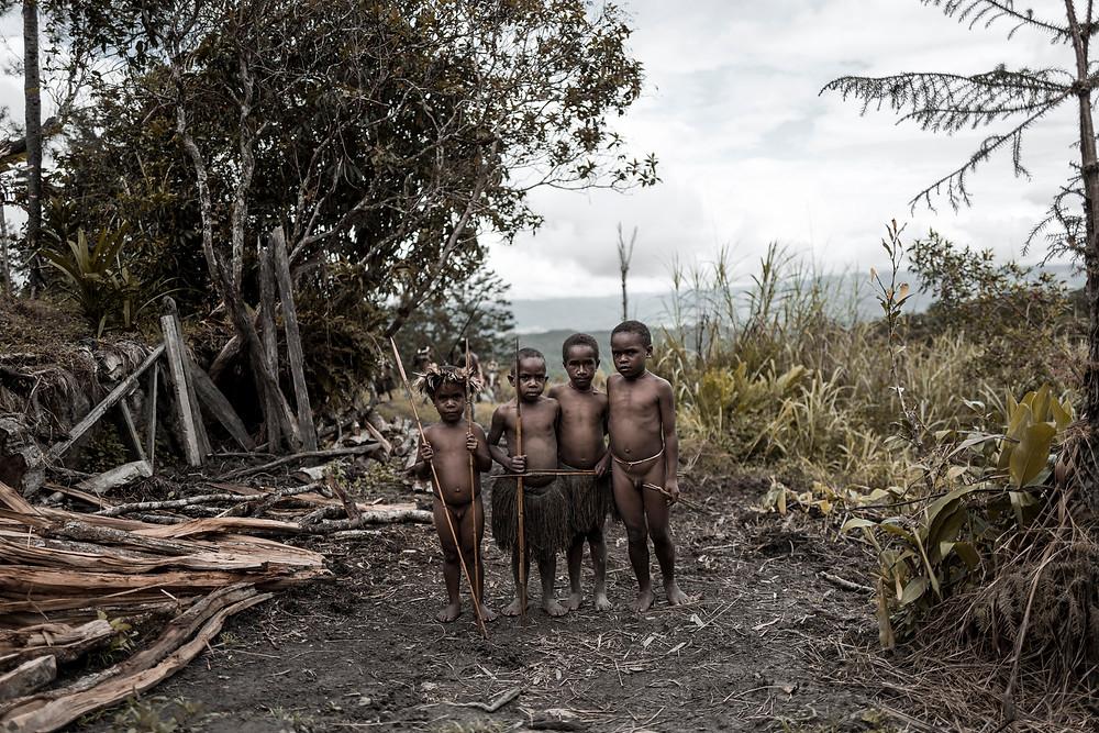 Kinder aus einem Dani Tribe