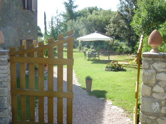 Entrance from gate.JPG