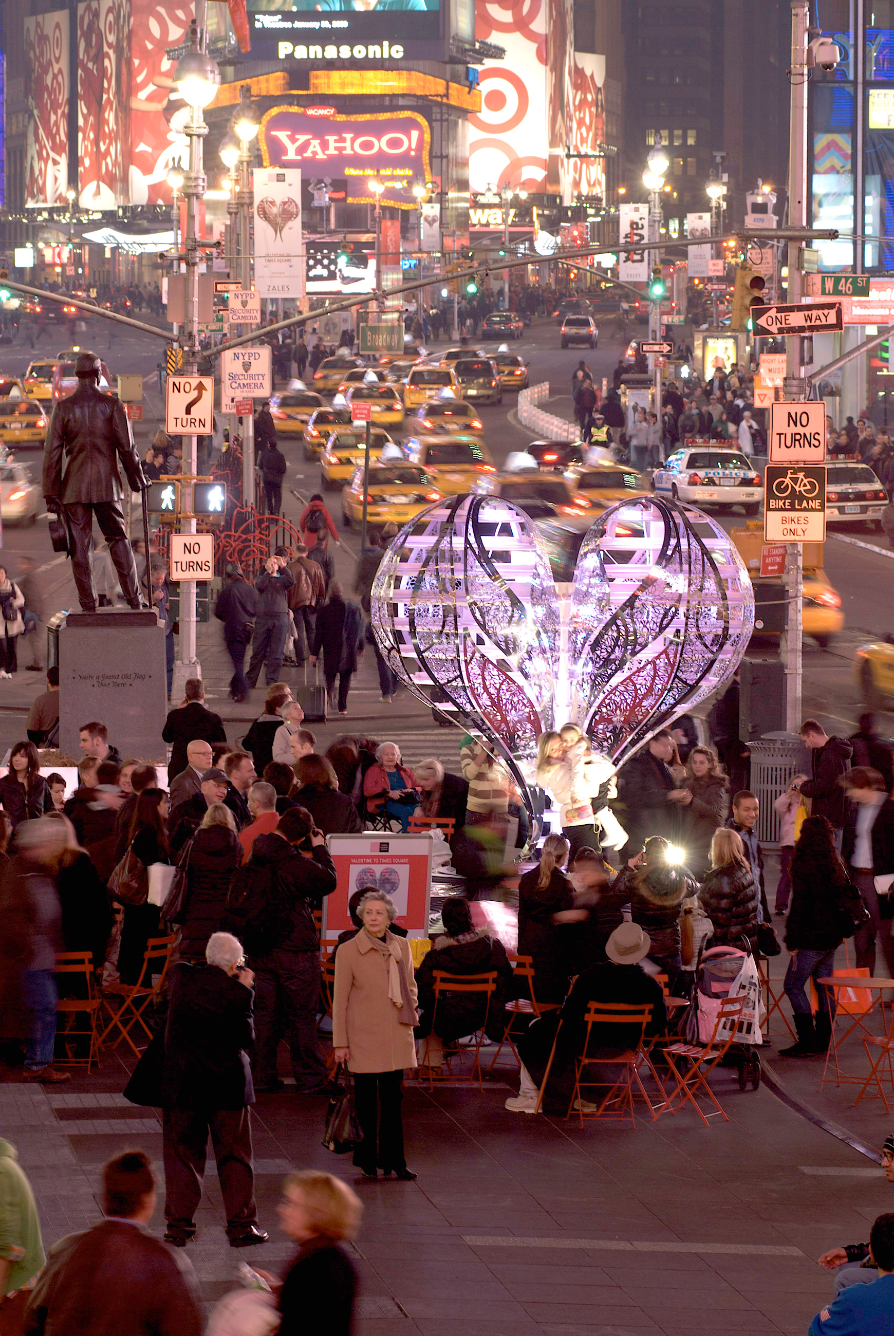 Chapter 11b Times Square Installation Valentine woman with child DONE
