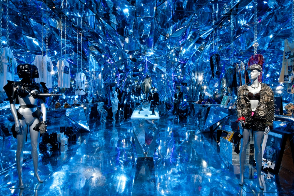 Chapter 02a Nicola Formichetti Store New York City photo blue DONE_1000
