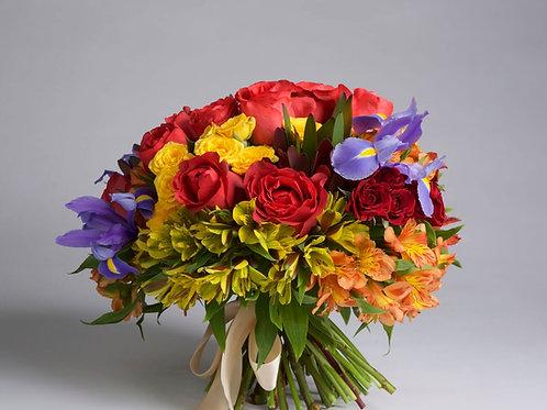 Bouquet alegre y colorido en tonos amarillo, rojo  y azul
