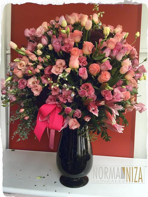 Arreglo gigante de combiancion de flores.