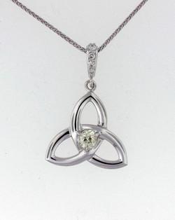 Celtic knot w diamond