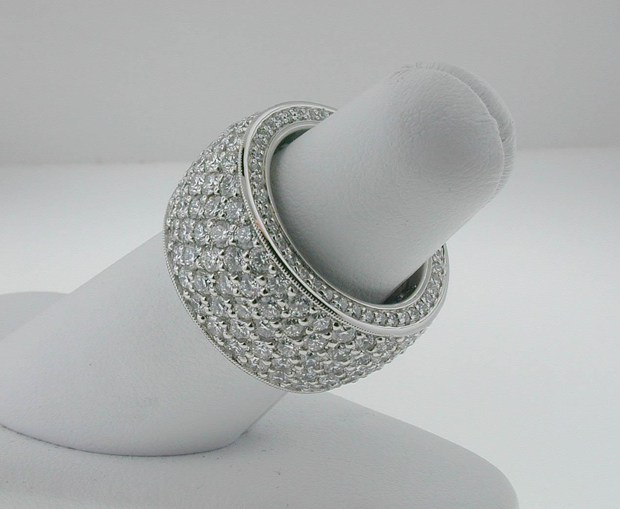 Pave Ring in Platinum 02