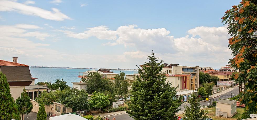 Panorama sea view balcony.jpg