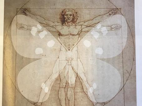 ウィトルウィウス的人体図と蝶