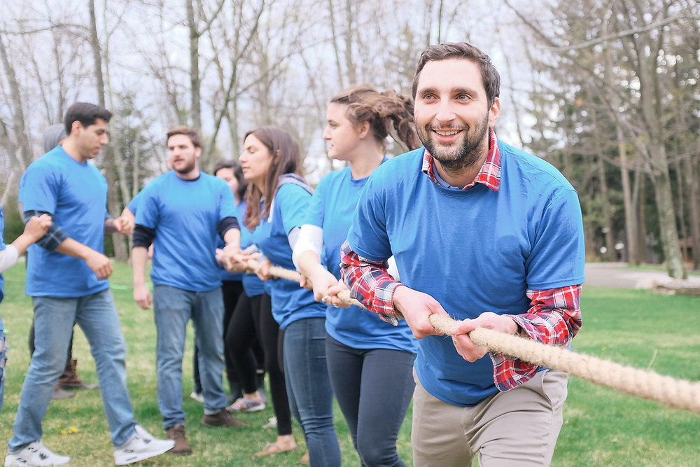 outdoor-team-building