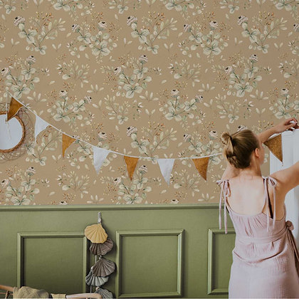 Clover Beige Wallpaper / Return to Innocence