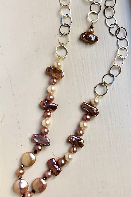Modern Blush Pearl Necklace
