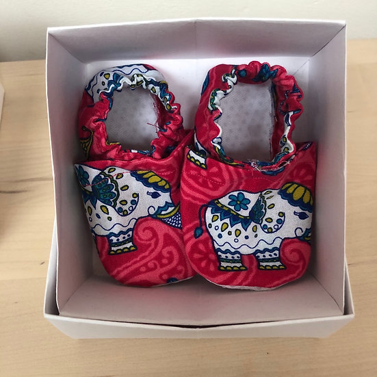 New baby fabric shoes in pink elephant