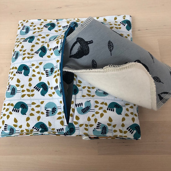 Wet & dry pouch with baby wipes