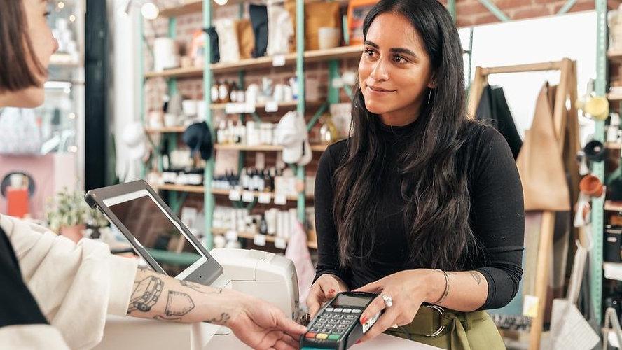 merchant-taking-credit-card-payment_925x%20(1)_edited.jpg