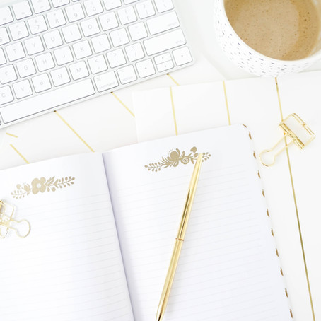 FIVE questions you NEED to ask yourself before picking out your wedding invitations! (and why!)