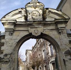 Couvent de calvairiennes, portail