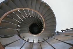 Escalier à jour central