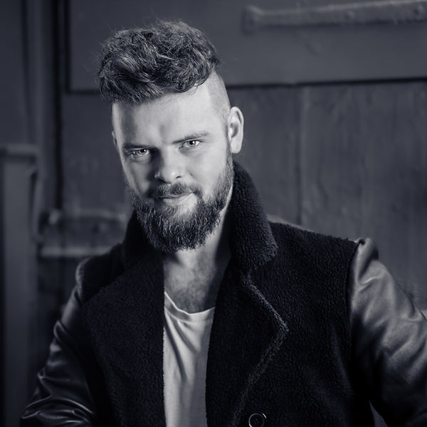 Headshot - Ryan Laughton.JPG