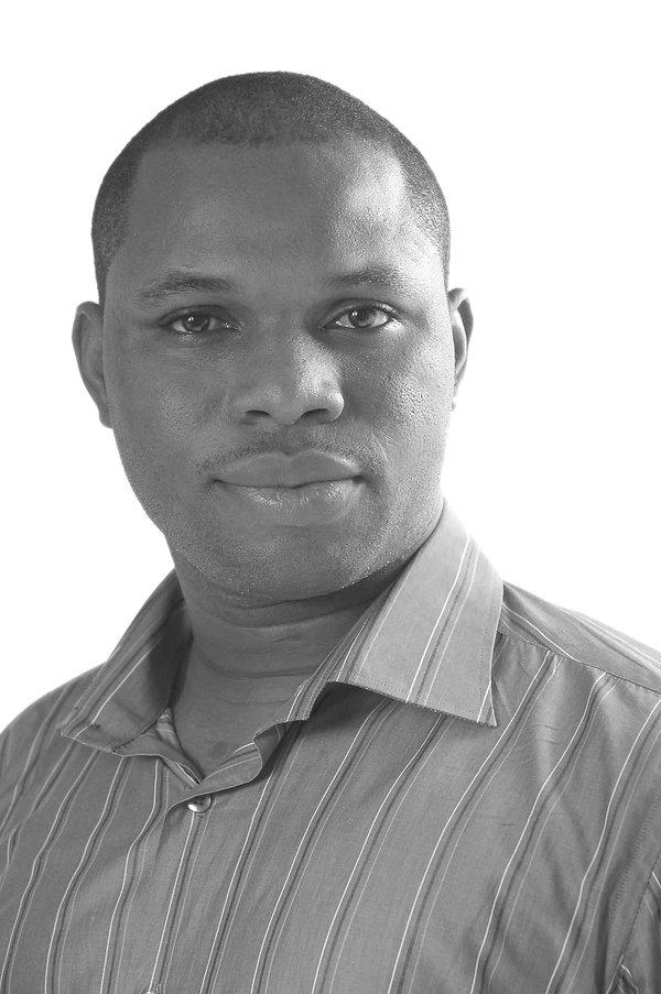 Headshot_Sanjo Ogunseye black and white.