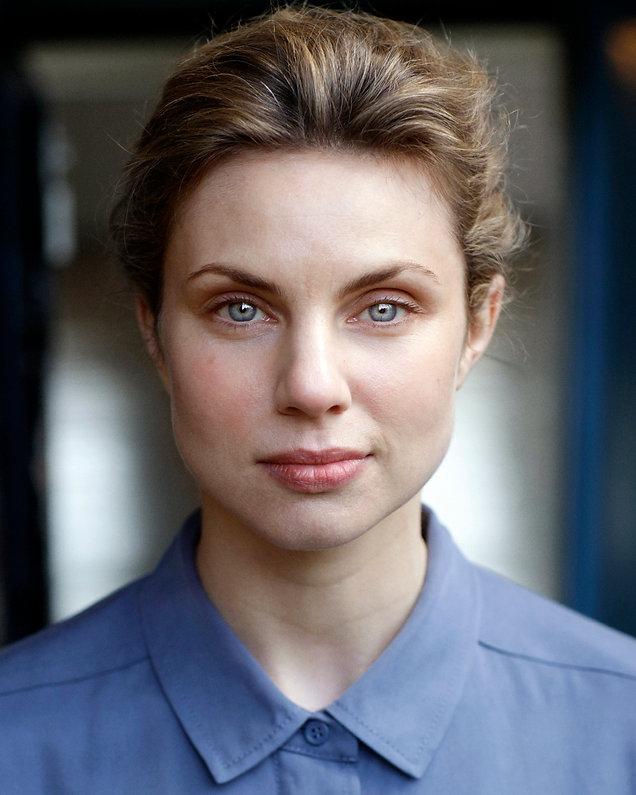 Annabel Bates Headshot.jpg
