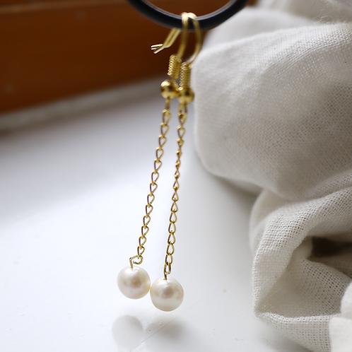 single freshwater pearl on chain earrings
