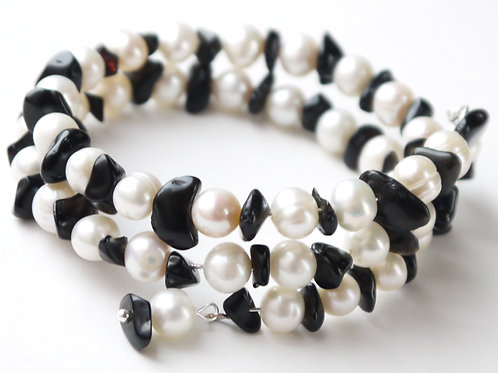 ivory freshwater pearl and black onyx bracelet