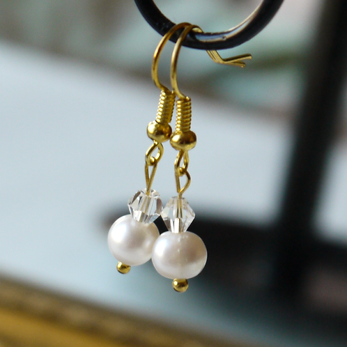 freshwater pearl & crystal hook earrings