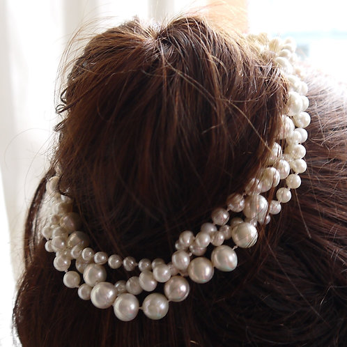 triple strand ivory pearl hair wreath comb