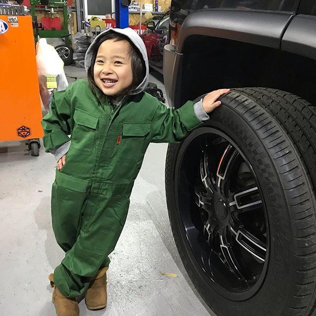 こち社長、鉄板の削り粉飛ばしてくれてます🙇♂️ #grab #cars 🇯
