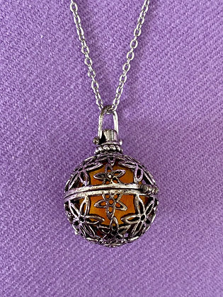 Diffuser Necklace ~ Globe Locket