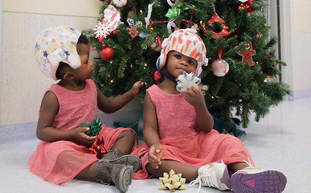 Bambino Gesu': il Natale in corsia delle gemelline siamesi