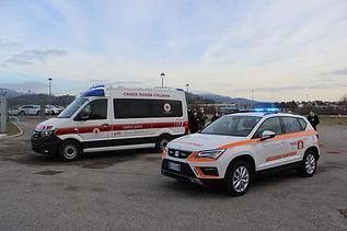 Donazione di un'ambulanza e di un'auto medica