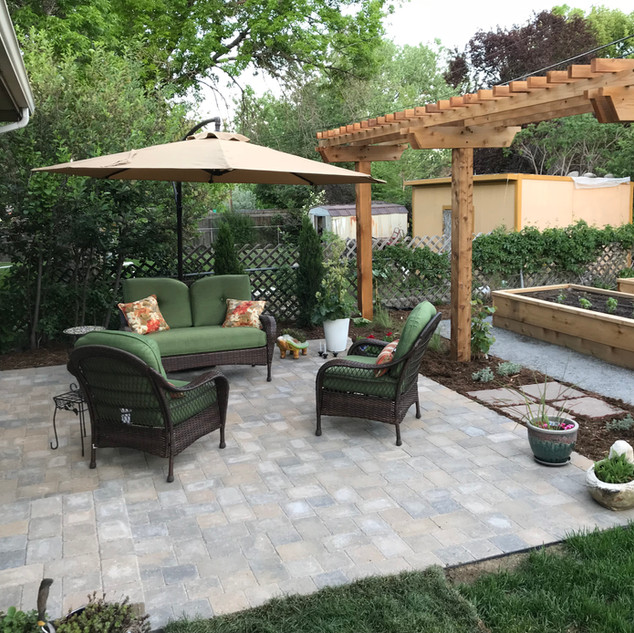 Landscape Design - Outdoor Living Space with Paver Patio