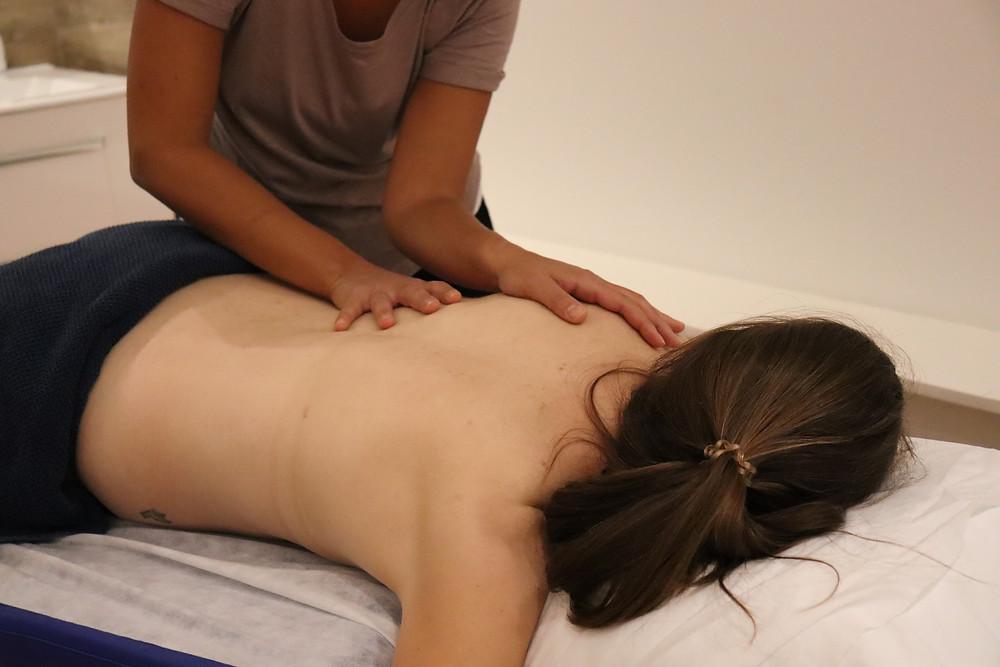 Letizia Pravata se tient à votre disposition pour des massages sportifs ou des drainages lymphatique