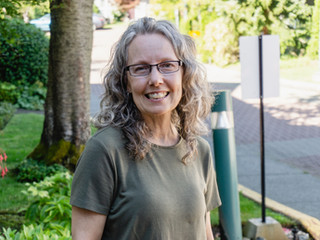 Sue, Grocery Shopping Bus Volunteer