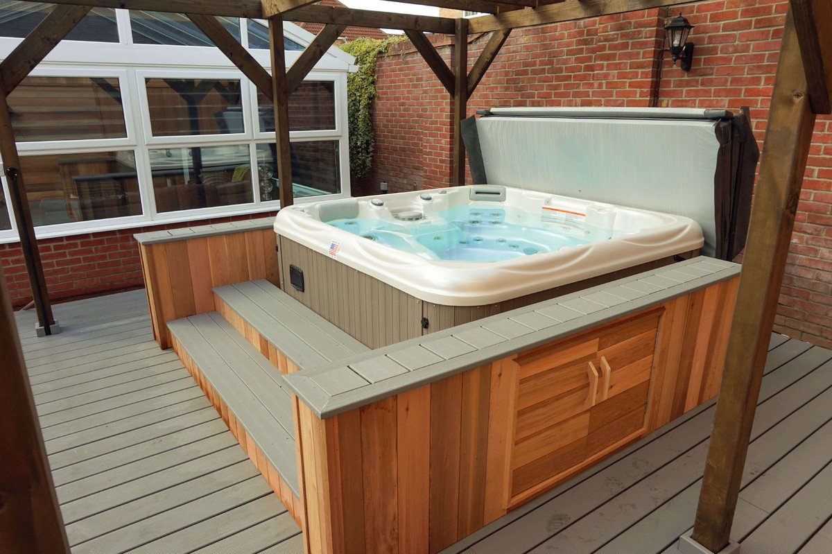 Cedar surround with side bars