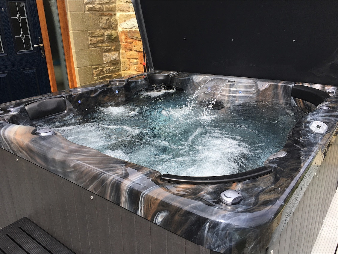 Cabo hottub in Tanfield