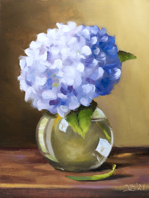 Blue_Hydrangeas in Glass Vase