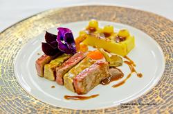 unchefdansmacuisine.salt.ericheurtel strate de foie gras  et filet boeuf, jus corse aux truffes