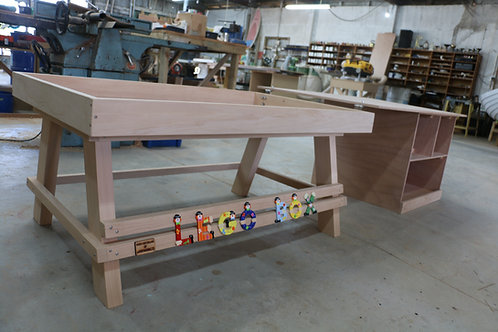 THE LEGO TABLE
