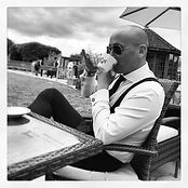 Dominik Stone, investor