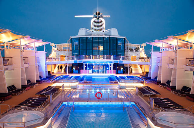 Pooldeck-Celebrity-Silhouette