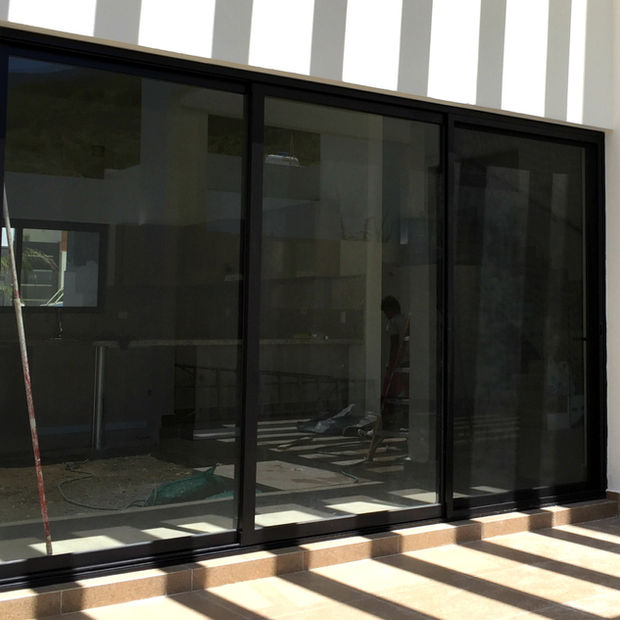 puerta con fijo de aluminio eurovent