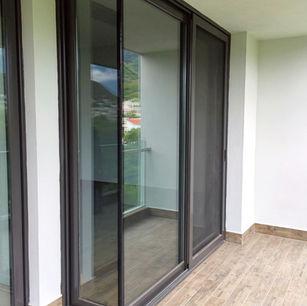 Puerta de Aluminio en Escuadra Eurovent Premium Serie 150