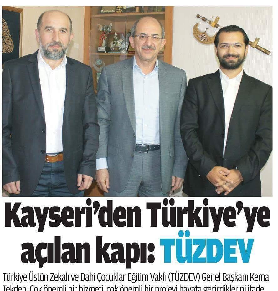 """Kayseri Yerel Gazetesi MEMLEKET'in bu ay çıkan sayısında Dr. Kemal TEKDEN'in TÜZDEV ile ilgili açıklamaları yer alıyor.  TEKDEN, TÜZDEV Kayseri şubesi için; """"Vakfımız Kayseri'nin Türkiye'ye açılan bir penceresi, bir kapısı oluyor"""" dedi."""