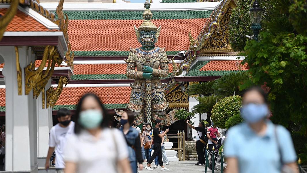 ชีวิตคน กับ เศรษฐกิจประเทศ ในมือแพทย์ไทย-ระบบสาธารณสุข