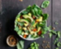 gesunder Salat aus regionalen Zutaten und ohne künstliche Zusatzstoffe